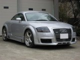 Pare choc avant Audi TT R-Frame avec 3 ouvertures avec lave phare