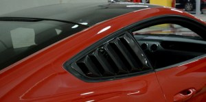 persiennes de vitre latéral carbone Ford Mustang